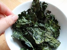 kale chips (i LOVE kale chips)