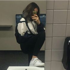 you only love for one's looks not heart Girl Pictures, Girl Photos, Mode Instagram, Tumbrl Girls, Foto Casual, Looks Street Style, Selfie Poses, Insta Photo Ideas, Ulzzang Girl
