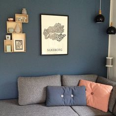 """49 Synes godt om, 6 kommentarer – Dyrup (@dyrupdk) på Instagram: """"Lækkerhed = hyggekrogen hjemme hos @onebym 😍 farven er én af vores, og den hedder S 2050-B #diy…"""""""