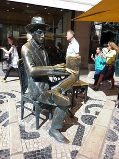 Baixa/Chiado District - You will be able to take a photo with the Fernando Pessoa's Statue just in from of the Brasileira coffee. The statue and the Brasileira are 5min walk from our Chiado district #apartments.