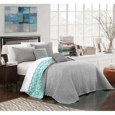 Chic Home 5-Piece Pamelia Quilted Flor De Lis Patterned Reversible Printed King Quilt Set Grey Shams and Decorative Pillows included, Gray
