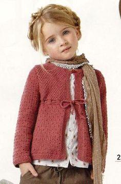 Grandi- Cute Free girl's sweater pattern , needs translating. Knitting Patterns Free, Knit Patterns, Free Knitting, Baby Knitting, Free Pattern, Knit Or Crochet, Crochet For Kids, Crochet Baby, Baby Sweaters