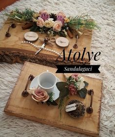 Kütük nişan tepsi . . . Handmade Decorations, Wedding Decorations, Engagement Decorations, Wood Slice Crafts, Preparing For Marriage, Chocolate Gifts, Easy Diy Crafts, Rustic Design, Diy Flowers