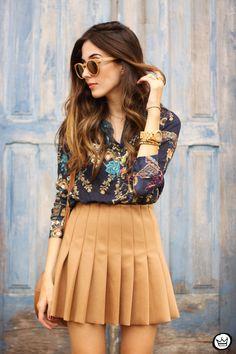 printed shirt pleated skirt