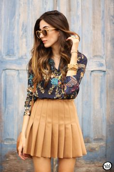 printed shirt pleated skirt