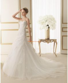 Robe de marie 2014 tulle application perl col en coeur