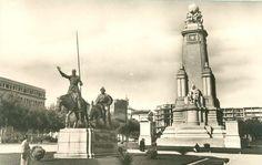 Plaza de España,construcción de las primeras plantas del edificio España.