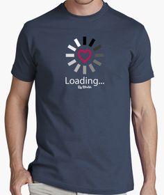 Camiseta Loading... Cool Shirts, Funny Shirts, Casual Shirts, Tee Shirts, Tee Shirt Designs, Tee Design, T Shirt Painting, Custom T, Printed Shirts