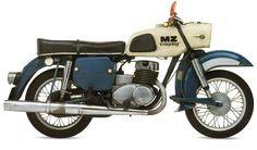 - b i k e - Motos Vintage Bikes, Vintage Motorcycles, Cars And Motorcycles, Custom Motorcycles, Green Motorcycle, Cafe Racer Motorcycle, Motorcycle Helmets, Women Motorcycle Quotes, Inazuma Cafe Racer
