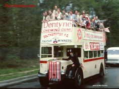 The Southampton open top bus before parading the FA Cup through the city in Southampton England, Southampton Fc, Southampton Football, My Dad My Hero, Places In England, Wembley Stadium, Soccer World, School Football, Fa Cup