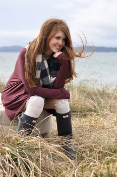 Are Hunter Boots Worth the Investment? Wellies Rain Boots, Hunter Rain Boots, Snow Boots, Family Photo Outfits, Family Photos, Winter Outfits, Summer Outfits, Hunter Boots Outfit, Rainy Day Fashion