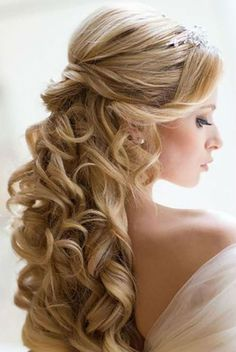 Wedding ceremony coiffure cascading curls and jewellery – Wedding ceremony coiffure 150 fashions to dream! Pixie With Undercut, Easy Hairstyles, Wedding Hairstyles, Hairdo Wedding, Plaits, Wedding Looks, Ponytail, Divas, Your Hair