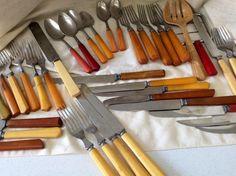 Huge Lot 40 Pieces Bakelite Flatware Assorted Mid Century Forks Spoons Knives