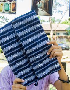 Sagada Travel Find: Woven Textile Purse Material: textile from Sagada + high quality gold zipper