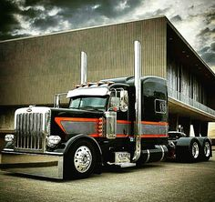 New semi truck painting peterbilt 379 ideas Big Rig Trucks, Show Trucks, Heavy Duty Trucks, Old Trucks, Custom Peterbilt, Peterbilt 389, Peterbilt Trucks, Custom Big Rigs, Custom Trucks