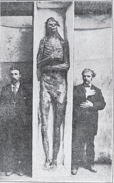 Ancient American giants? 9-foot mummy allegedly found in California in 1895.