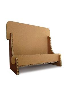 Espositore in cartone alveolare da banco per depliant. Honeycomb cardboard counter display for dèpliant.