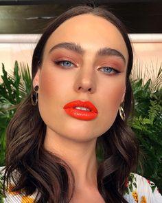 24 Beste Ideen für Make-up Glowy Tutorial-Tipps - Prom Makeup Looks Makeup Trends, Makeup Inspo, Makeup Inspiration, Makeup Tips, Makeup Ideas, Makeup Tutorials, Beauty Trends, Makeup Goals, Gold Eye Makeup