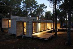 Casa en Valeria del Mar, Argentina - M. V. Besonías + L. Kruk - foto: Daniela Mac Adden