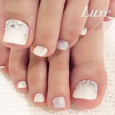 Glitter Pedicure by @nailsalonluxe_ginza #pedicure
