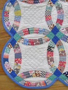 Best Ever Densely Quilted Vintage 30 40s Wedding Ring Quilt w Blue NVR Washed | Vintageblessings