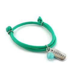 Paracord Armband 'SUCCESS', grün von juniiqjewelry auf DaWanda.com