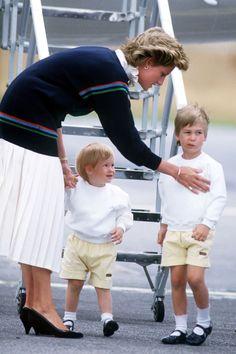 Princess Diana Family Photos - Princess Diana, Prince William, and Prince Harry Pictures