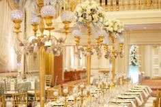 Elisabeth B.   www.elisabethb.com #christmaswedding #holidayseason #holidaywedding #decemberwedding #chateaufronteanc #quebeccity Photo: Valérie Busque  Decor&Flowers: La Fleur d'Europe  Decor&Furniture: KparK