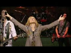 How Great is Our God-Darlene Zschech. I love seeing the young people praising the Lord. There is hope. Praise And Worship Music, Worship The Lord, Praise Songs, Gospel Music, Music Songs, Darlene Zschech, I Look To You, Contemporary Christian Music, Christian Music Videos