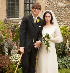 Eddie Redmayne (best actor) and Felicity Jones (best actress) scored their first Oscar nominations for portraying Stephen Hawking and JanHawking in The Theory of Everything. Eddie Redmayne, Movie Wedding Dresses, Wedding Movies, Felicity Jones, Love Movie, Movie Tv, Bon Film, Movies And Series, Stephen Hawking
