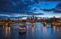 Frankfurt mit Abendstimmung