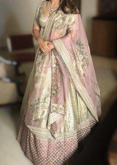 Lehenga Color Combinations, Mehndi Dress, Groom Outfit, Pakistani Suits, Sabyasachi, Asian Fashion, Anarkali, Outfit Ideas, Sari