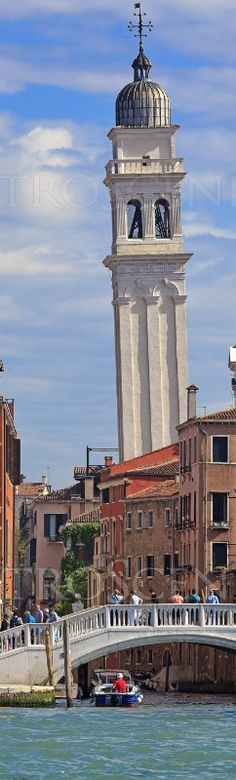 Leaning bell tower in Venice, Italy.  by photographer Matt Robinson of MetroScenes