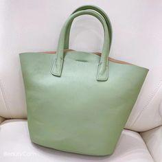 "Material: CowhideDimensions:Inches: Height 13.8"" x Width 8.7~13"" x Depth 5.1"" Tote Handbags, Cross Body Handbags, Tote Bags, Tote Backpack, Handmade Handbags, Black Tote Bag, Purses And Bags, Annie, Jewel"