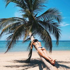 summer vibes | summer | beach | bikini | summer shot idea | summer photo ideas | travel | vacation |burga