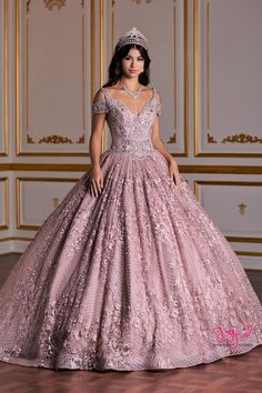 The Quinceanera Collection offers elegant quinceanera dresses, 15 dresses, and vestidos de quinceanera! These pretty quince dresses are perfect for your party! Quince Dresses, 15 Dresses, Pretty Dresses, Beautiful Dresses, Evening Dresses, Fashion Dresses, Robes Quinceanera, Pretty Quinceanera Dresses, Lace Ball Gowns
