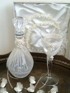 Vintage στέφανα και σετ γάμου!Greek wedding stefana crowns and decanter set! www.preciousandpretty.gr #gamos #weddings #stefana #vintage