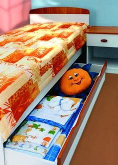Mókus bed with drawer and nightstand / Mókus ágy ágyneműtartóval és éjjeliszekrénnyel