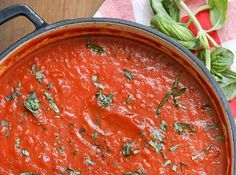 Tous les détails à l'intérieur. Sauce Recipes, Pasta Recipes, Easy Marinara Sauce, Canning Whole Tomatoes, Garlic Cloves Minced, Marinade Sauce, Peppers And Onions, How To Dry Oregano, Meal Planner