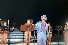 """El """"negro Martín"""", simpático cantante cubano que ambientaba las noches en Expo 92"""