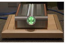 Dan D'Agostino's Momentum stereo amplifier