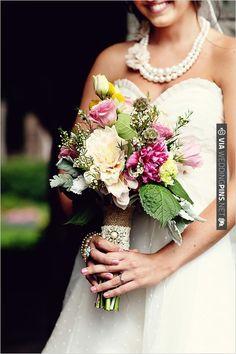 Vintage Inspired Wedding Bouquet Idea   WEDDINGPINS.NET   #vintageweddingbouquets2016