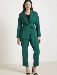 View our Jason Wu/ELOQUII Tapered Leg Trouser and shop our selection of designer women's plus size Pants, clothing and fashionable accessories. Flattering Plus Size Dresses, Plus Size Suits, Plus Size Clothing Stores, Plus Size Womens Clothing, Blazers For Women, Suits For Women, Plus Size Workwear, Dresser, Mode Plus