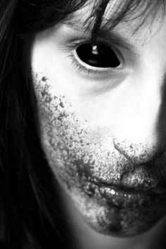 30 Days Of Night Inspired Horror Photography Horror Photography, Dark Photography, Arte Horror, Horror Art, 30 Days Of Night, Tamamo No Mae, Images Gif, Vampires And Werewolves, World Of Darkness