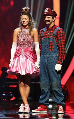 Confession: the duo's Super Mario-inspired costumes are one of our favorite looks of all-time, and so was the inventive routine that went along with it. But Mark sure does loving with the facial hair, no?