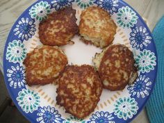 """Barlow advises on vegetables and roots today on Susana's Parlour. Check out these """"Westphalia Loaves"""" that turned out more like patties! But yummy ones! Parlour, Roots, Vegetables, Ethnic Recipes, Check, Drawing Room, Vegetable Recipes, Veggies"""