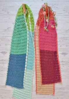 Van deze sjaals krijg je direct een 'voorjaars kriebel'! De kleuren, de steken, het patroon en het 'schitterende' randje maken het een prachtige sjaal. Het patroon haakt heerlijk en door het kleurverloop heel gemakkelijk passend te maken bij iedere outfit! De sjaal heeft een kleurverloop van licht naar donker in 5 verschillende kleuren. Er zijn …
