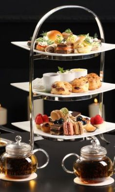 The Gallery at The Carlyle, A Rosewood Hotel, NYC offers traditional high tea inspired by a sultan's dining room at Turkey's Topkapi Palace.