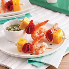 Mini-brochettes aux crevettes, mangue et chorizo Antipasto, Barbecue, Holiday Recipes, Potato Salad, Biscuits, Seafood, Appetizers, Fruit, Cooking