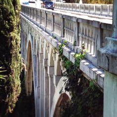 Los Feliz, Shakespeare Bridge